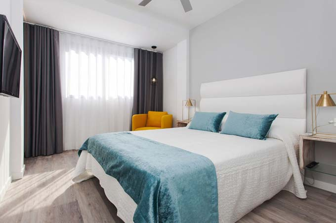 Bristol Sunset Beach Apartsuites- Lifestyle & Gastronomy